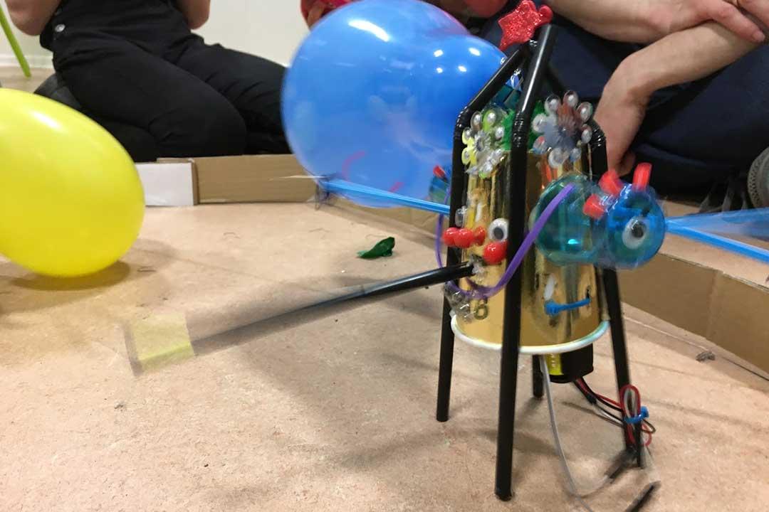 Robot i ballonkamp